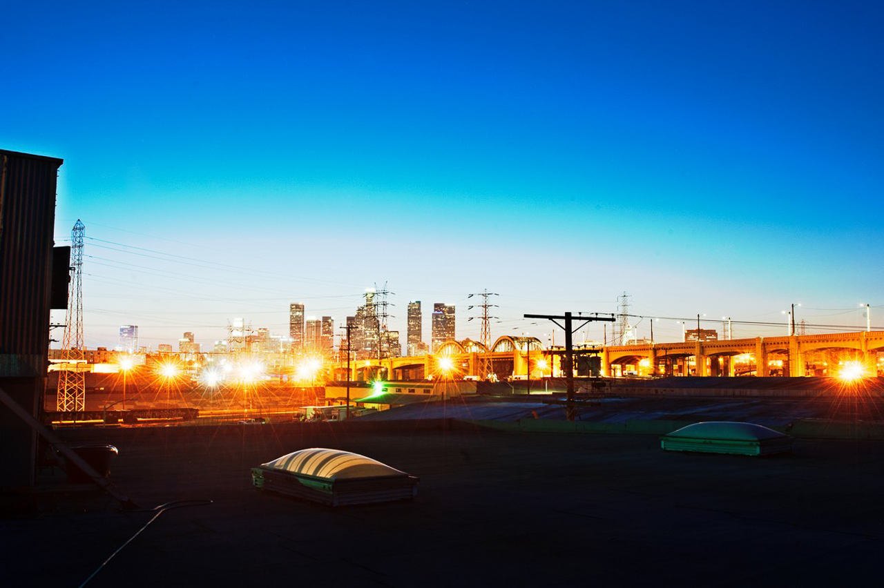 shoot space rooftop location with view of golden hour skyline cityscape for film and photography
