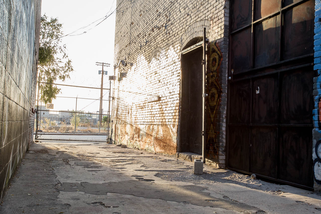 Graffiti Alley Set - Film and Photo Studio in LA Industrial Warehouse