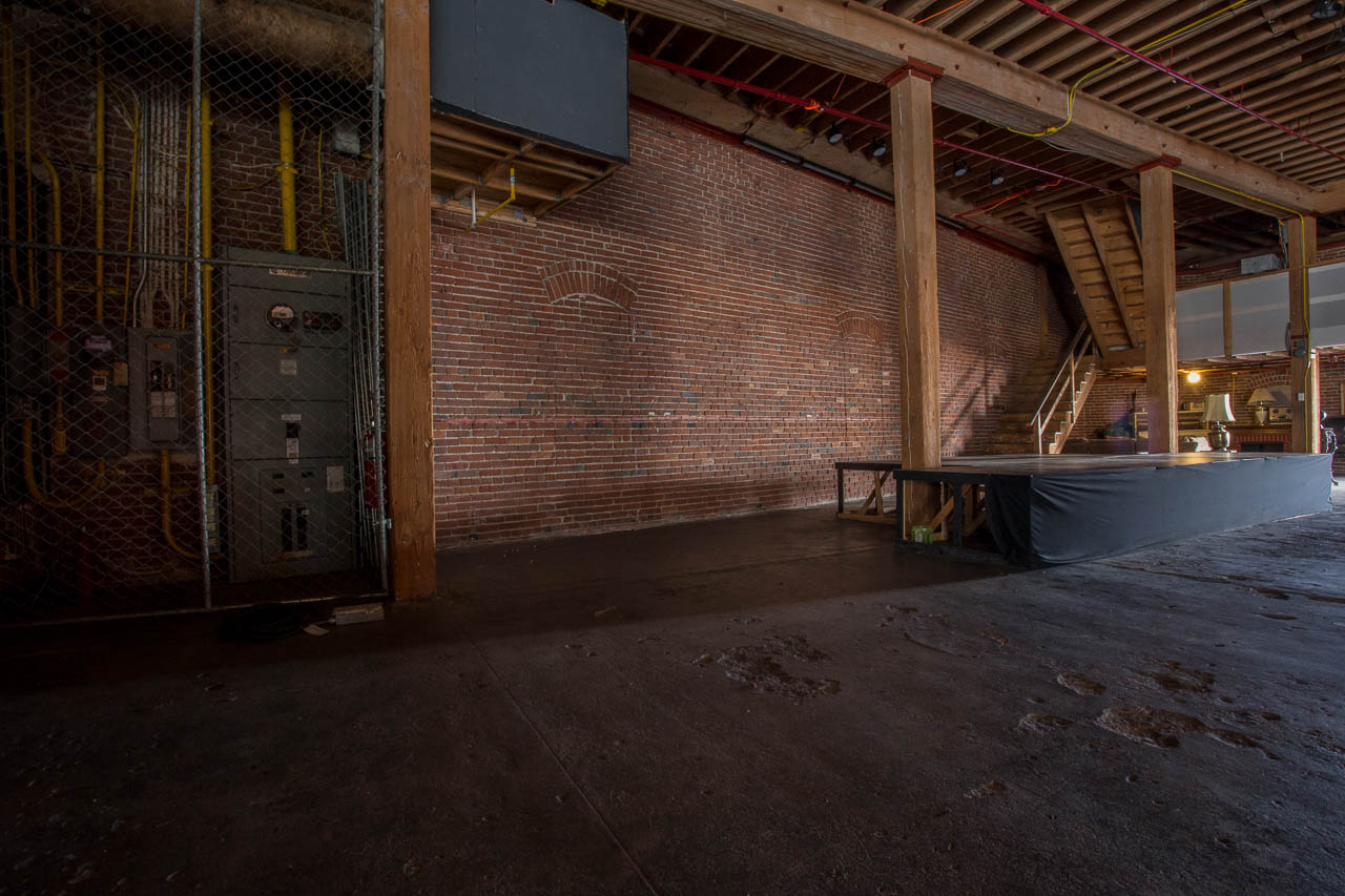 Industrial Warehouse for Filming in LA