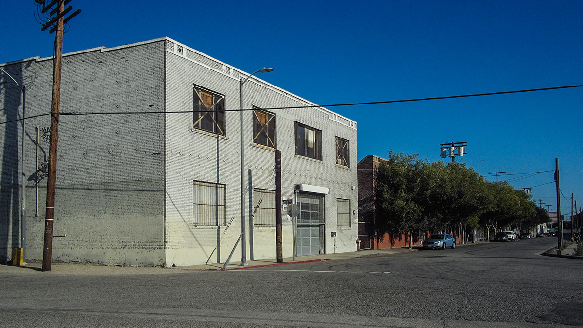warehouse film location & photo studio in Los Angeles with exterior street access an industrial dark gritty urban feel